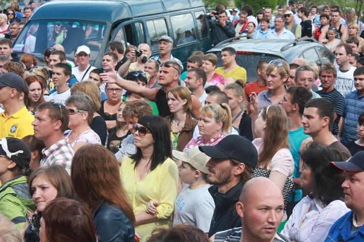 В саратовском селе прошел массовый сход против криминальных приезжих
