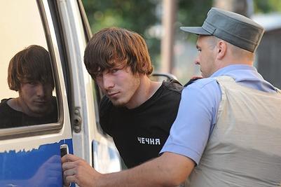 Дело напавшего на полицейского с вилами чеченца передано в прокуратуру