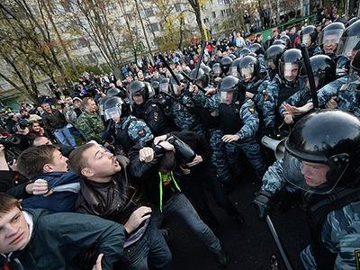 Больше половины жителей Москвы и Санкт-Петербурга поддерживают участников беспорядков в Бирюлеве