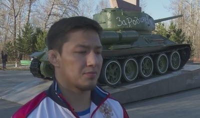 Тувинцы ко Дню Победы отреставрировали Т-34 и поздравили детей войны