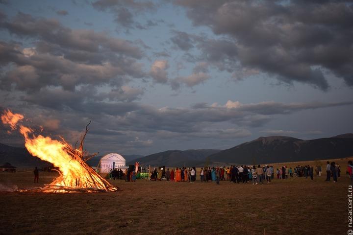 Алтайские активисты попросили главу региона запретить торговлю в сакральных местах