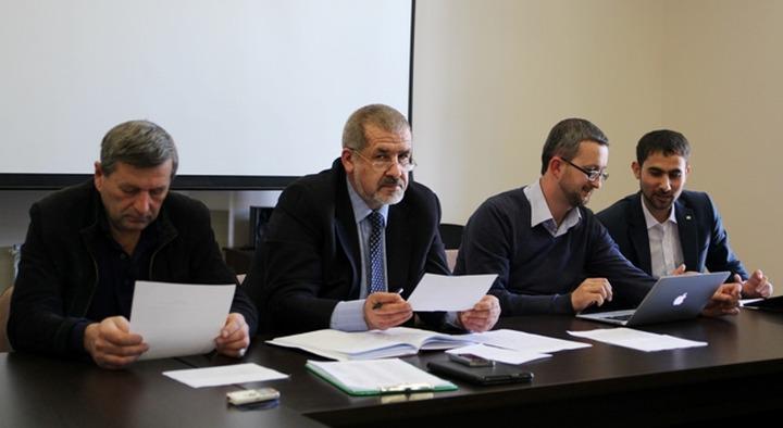 Член Меджлиса предложил сменить председателя организации