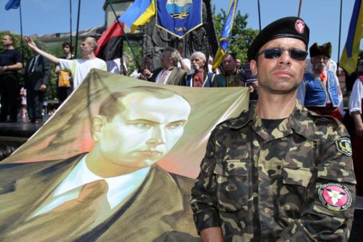 Госдума РФ приравняет символику бандеровцев к нацистской
