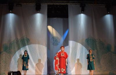 """Фестиваль этнической моды """"Этнополис"""" прошел в Дагестане"""
