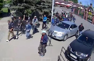 СМИ: Полиция в Москве ищет скопления недовольных мигрантов