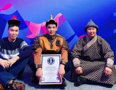 Житель Бурятии установил мировой рекорд по разбиванию кости