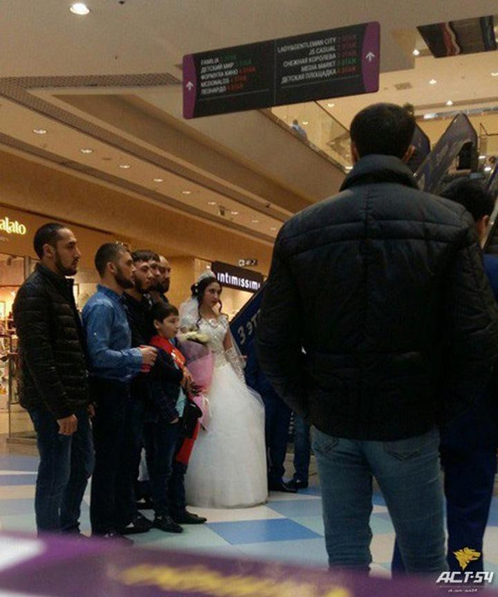"""Полиция проверит сообщения о """"цыганской свадьбе"""" несовершеннолетних в Новосибирске"""