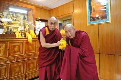 Российские буддисты попросили не высылать из страны духовного наставника