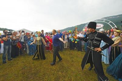 Фестиваль культуры адыгов проведут онлайн из-за коронавируса