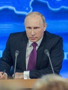 Путин: Обучение только на национальных языках ограничивает возможности детей в будущем