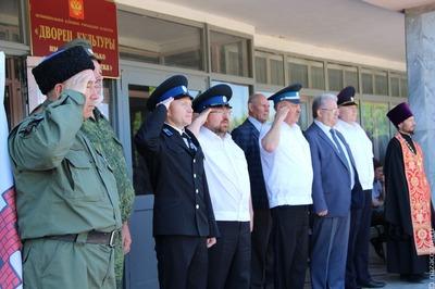 """Зенитку и гаубицу в военный парк """"Патриот"""" доставили пятигорские казаки"""