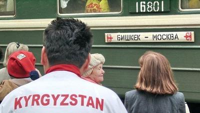 В Москве трех мигрантов задержали за издевательства над соотечественницами