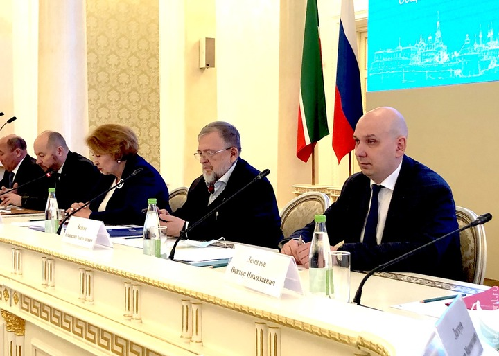 Сохранение языкового многообразия России обсудили в Казани