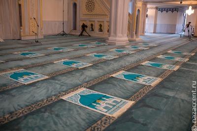 В столице Чечни открыли двухэтажную мечеть на 4 тысячи прихожан