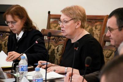 Министр просвещения: Нужны полторы тысячи учебников по родным языкам
