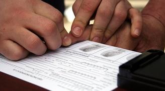 МВД России хочет снимать отпечатки пальцев у всех иностранцев