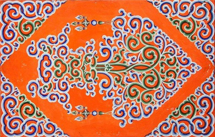 Переизданный альбом о бурятских орнаментах презентуют в Улан-Удэ