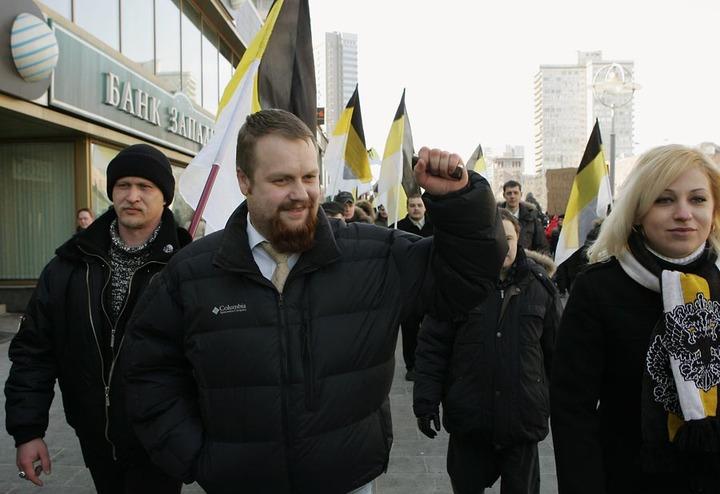 """Активисты движения """"Русские"""" заявили о нападении на них в метро выходцев с Кавказа"""