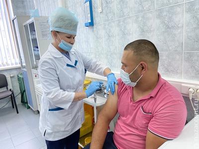 В Московской области открыли пункт вакцинации для мигрантов