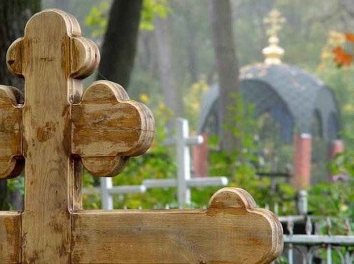Власти Чечни пообещали убрать мусор с христианских кладбищ к Пасхе
