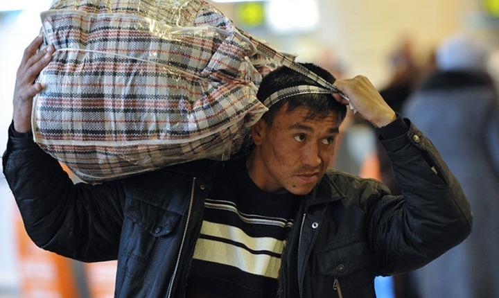 Эксперты: Мигранты уезжают из Москвы