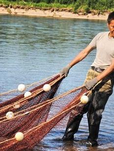 Коренные народы Хабаровского края пожаловались на ограничения в рыбалке