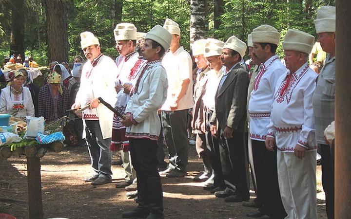 Марийцы на молениях в Кировской области попросят помощи у Хозяина горы