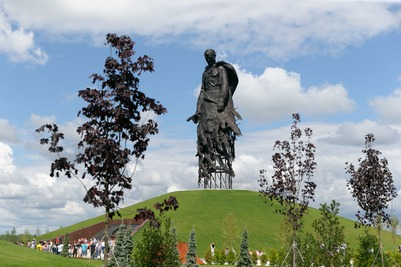 Подо Ржевом открыли поисковый лагерь в честь якутского снайпера