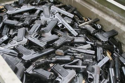 У дагестанских ЧОПов изъяли более тысячи единиц оружия после избиения депутата Худякова