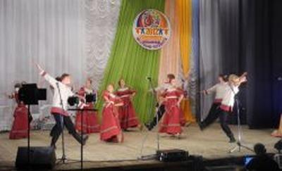 """На фольклорном фестивале """"ЭТНОстиль"""" продемонстрировали старинные народные обряды"""