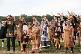 Лучших фольклористов наградили в ЯНАО