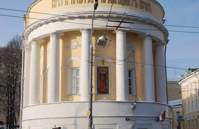 Сергей Миронов опасается появления в российских школах молельных комнат