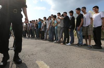 Госдума планирует узаконить депортационные лагеря для мигрантов