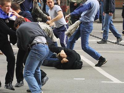 СМИ: Участники массовой драки в Петербурге выкрикивали националистические лозунги