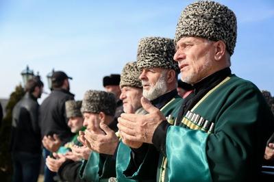 В Ингушетии в день депортации народа прошел поминальный митинг