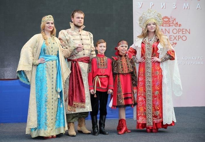"""На """"Славянском базаре"""" в Тюмени покажут одежду в русском стиле"""