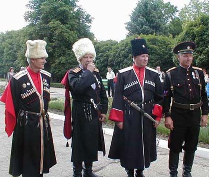 Петербургские казаки и чеченцы отправятся в командировку на Донбасс