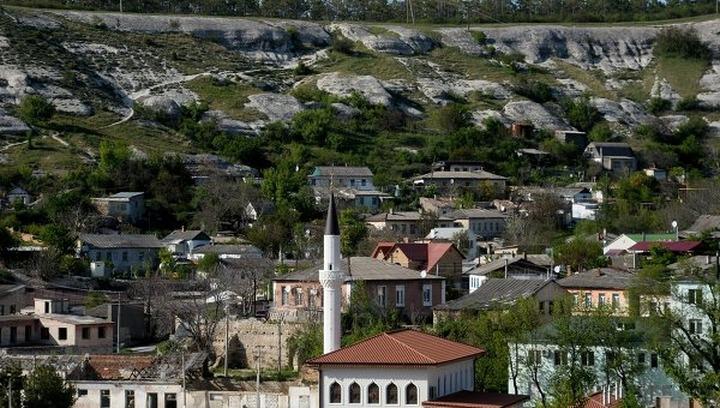 Госкомрегистр: Крымские татары не стремятся продать дома и уехать