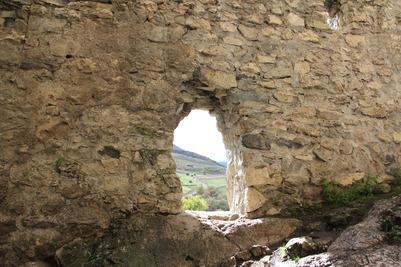 В Северной Осетии захоронили останки из средневекового могильника по национальному обряду