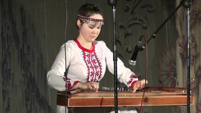 Жителям Ижевска покажут удмуртскую скрипку, угловую арфу и марийские гусли