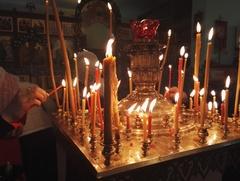 В церквях и мечетях из-за коронавируса вводят особый порядок служб