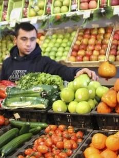 В Якутске группа молодых людей устроила погром в киосках, где торгуют мигранты