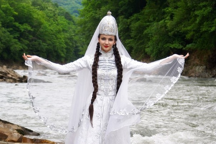 В Адыгее пройдет фестиваль-конкурс черкесских красавиц