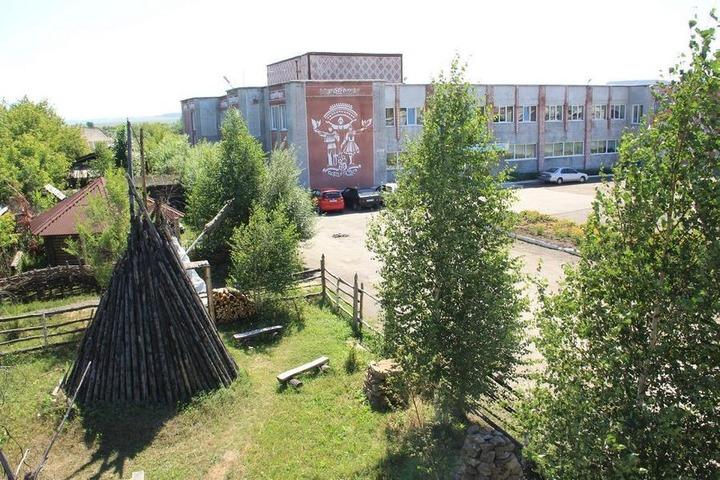 Приехавших в Кемеровскую область поселят в землянках и юртах