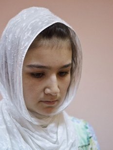 Мать погибшего в Петербурге таджикского ребенка выдворили из России