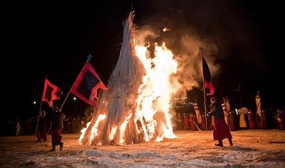 Буддисты сожгли прошлогодние горести на церемонии Дугжууба