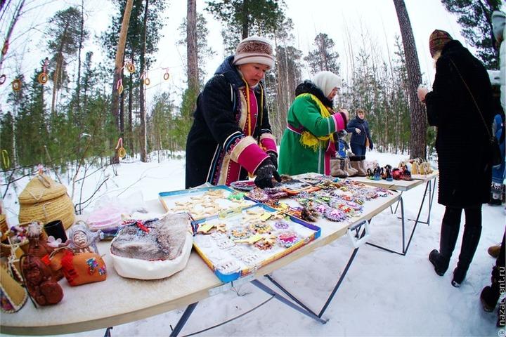 Промыслы коренных народов Севера представители на выставке в Тюменской области