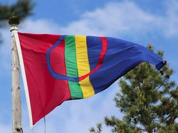 В Мурманской области поднимут саамские флаги
