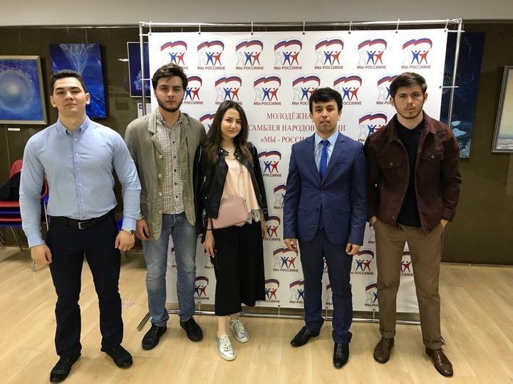 """Молодым лидерам на """"МежнацИнициативе"""" рассказали, как работать со СМИ"""