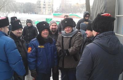 Спектакль о Pussy Riot в Сахаровском центре прервали сотрудники ФМС с казаками